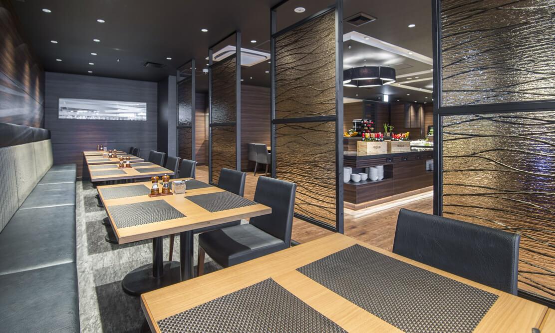 ステーキ&ハンバーグレストラン「リバージュ」の写真 半個室席